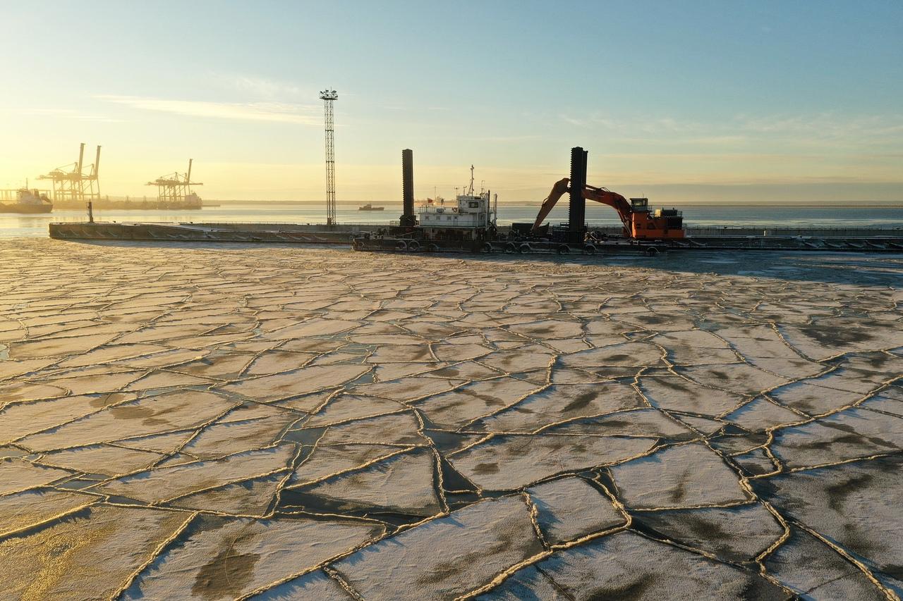 Запрос котировок на выполнение дноуглубительных работ в порту Усть-Луга