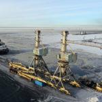 Из порта Высоцк в порт Усть-Луга доставили два портальных перегрузочных крана «Кондор»