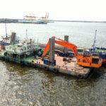 Начались ремонтные дноуглубительные работы в морском порту Усть-Луга